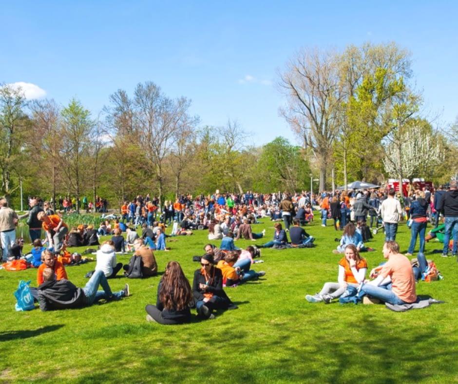 Crowded-Vondel-Park