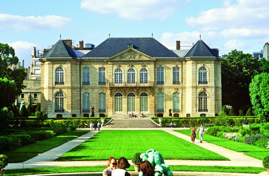 scenic-front-view-of-the-Musee-Rodin