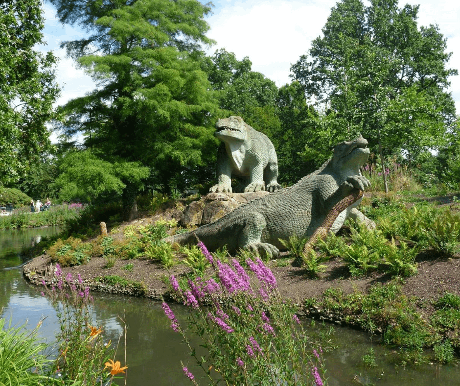 dinosaur-sculptures-in-the-crystal-palace-park-in-london