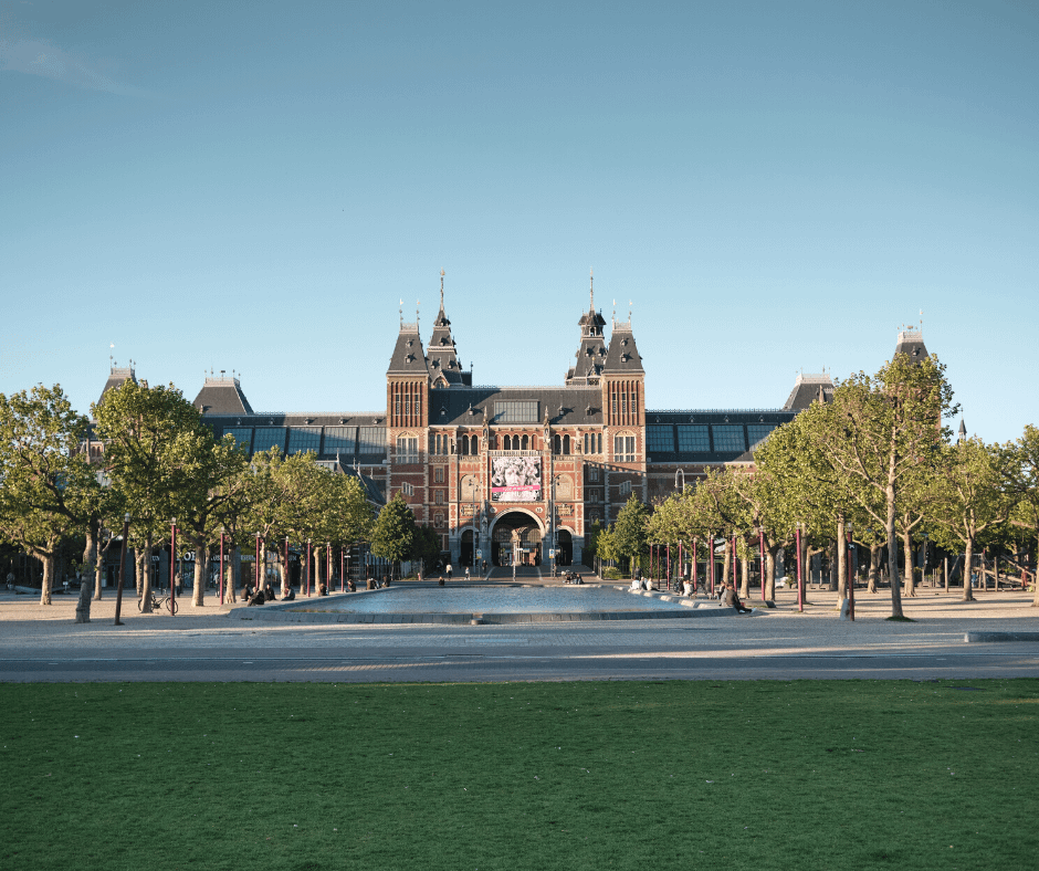 Front-view-of-the-Museumplein-building