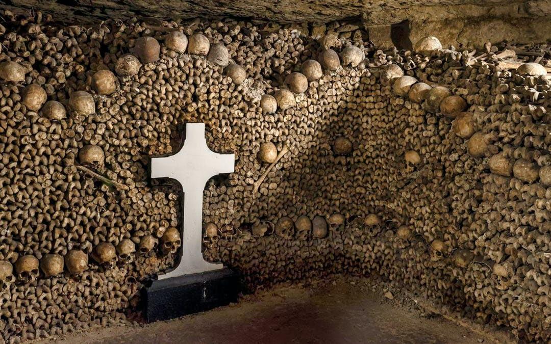The-catacombs-in-paris
