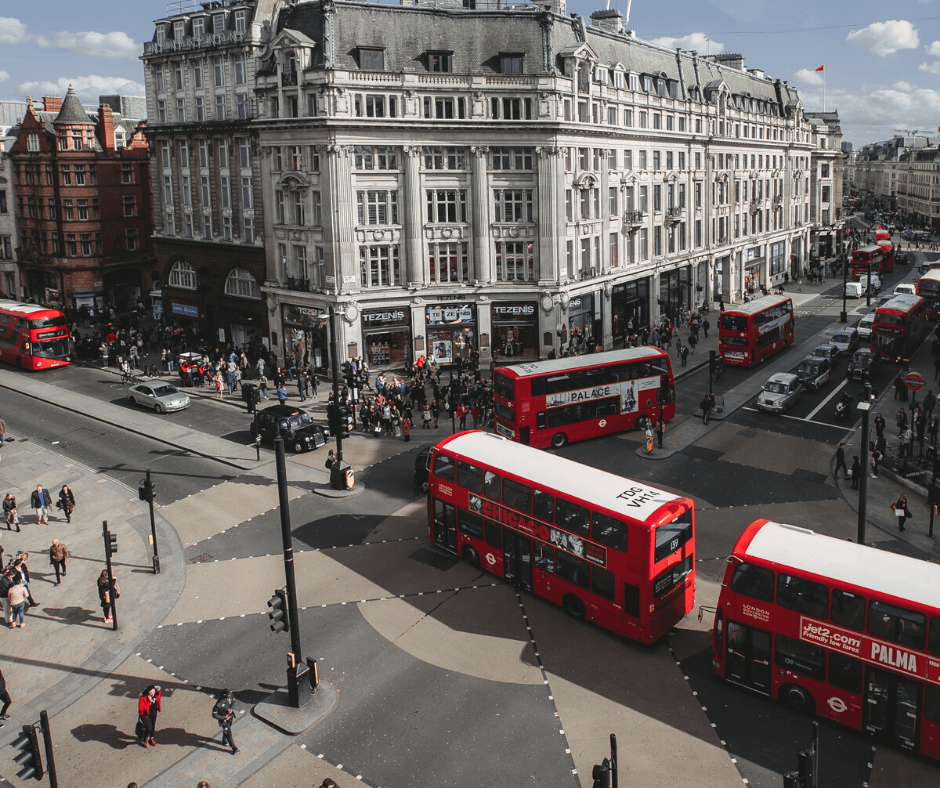 oxford-street-during-a-busy-day