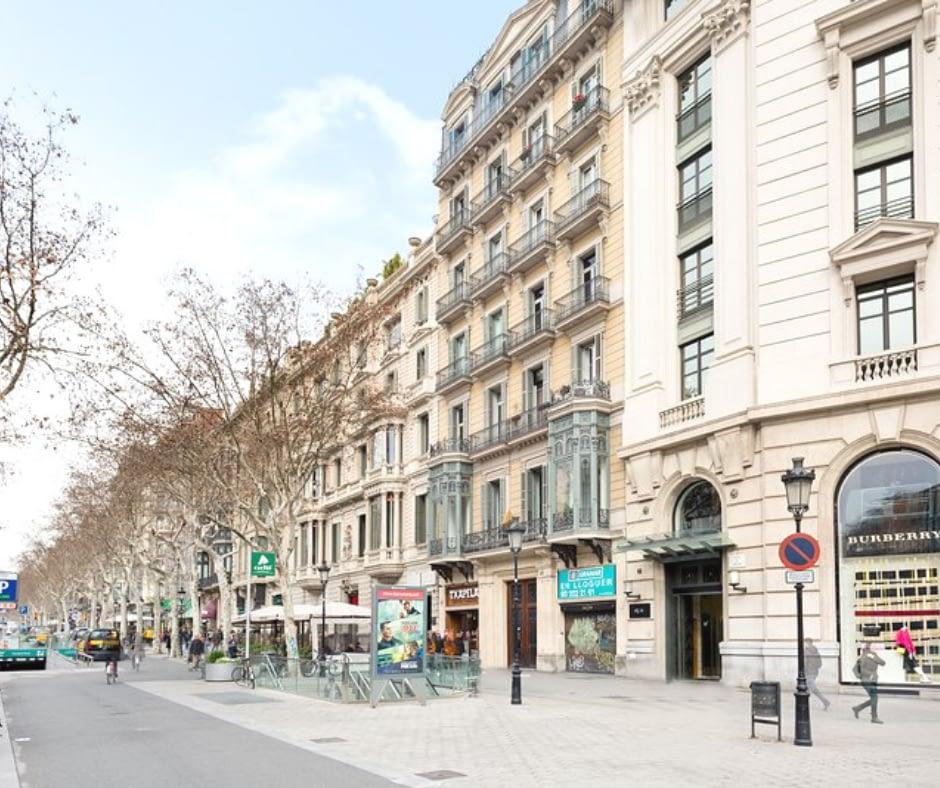 street-in-gràcia Barcelona Attractions