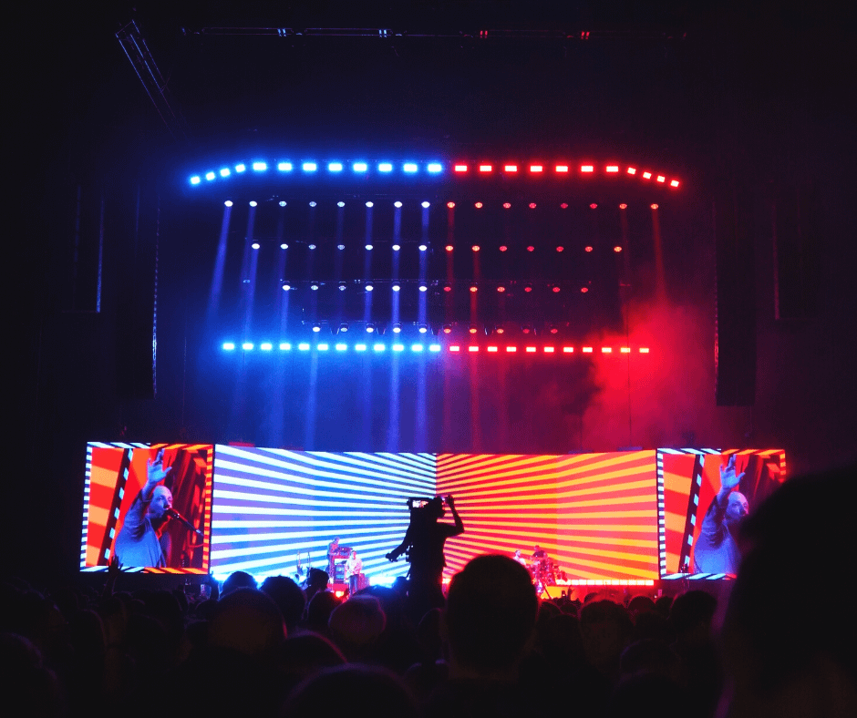 the-o2-with-flashy-a-stage