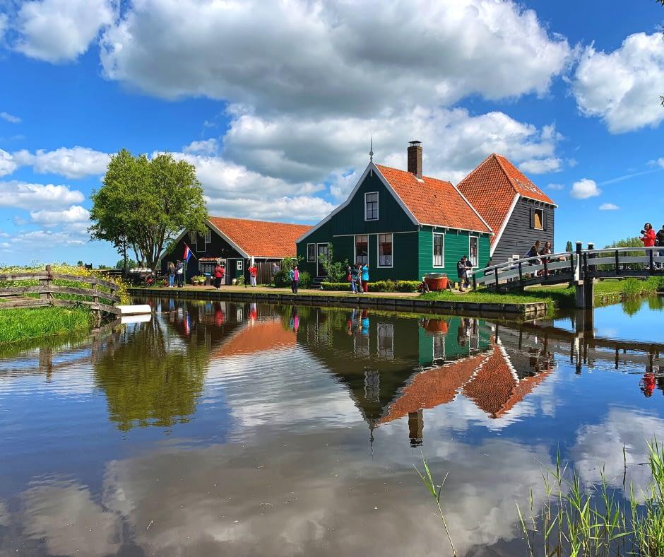 beautiful-scenery-in-Zaanse-Schans