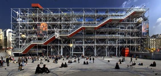 Busy-hours-at-the-Pompidou-Center