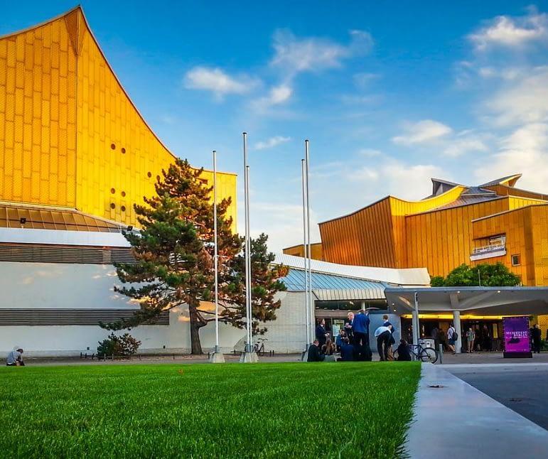 beautiful-view-of-berliner-philharmonie