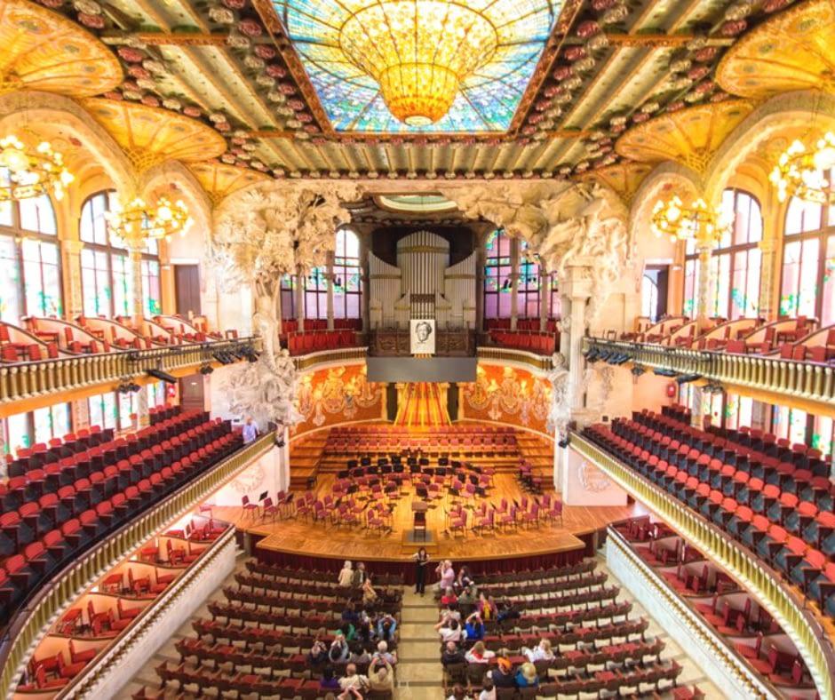 inside-view-of-palau-de-la-música-catalana Barcelona Attractions