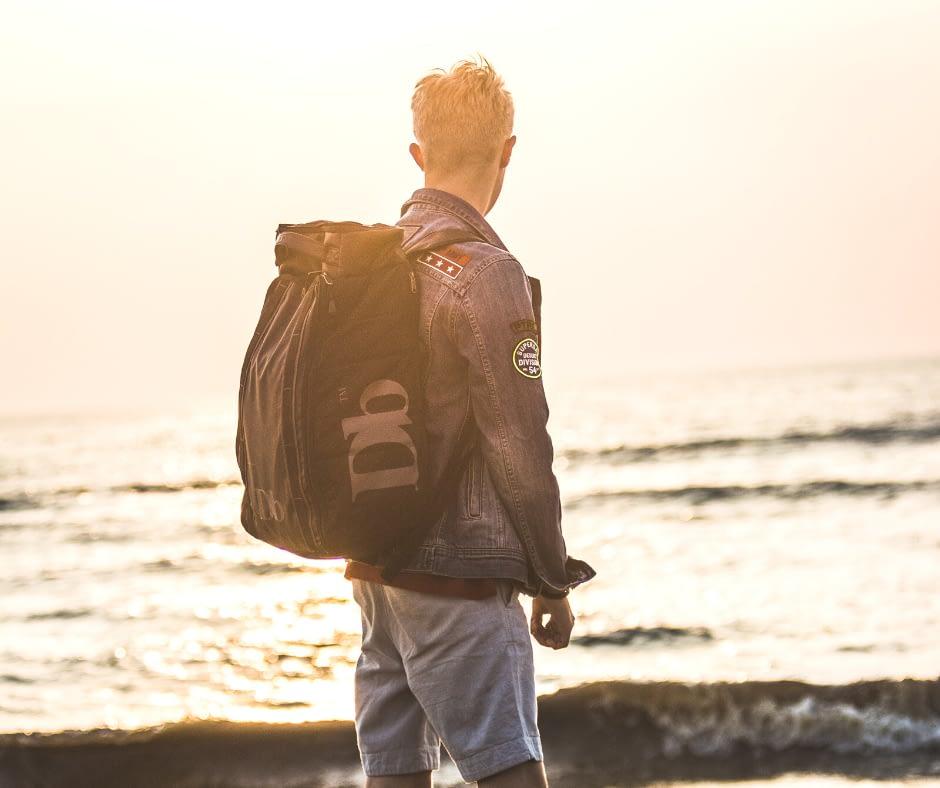 Backpacker-at-the-beach-in-Zandvoort