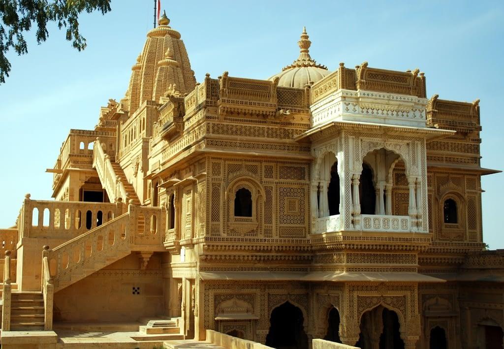 Rishabhdev-Temple-Jaisalmer.jpg